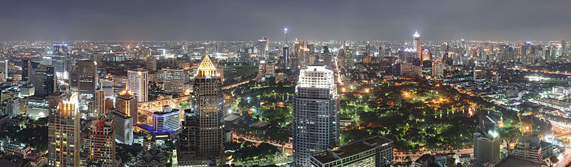 800px-Bangkok_Night_Wikimedia_Commons
